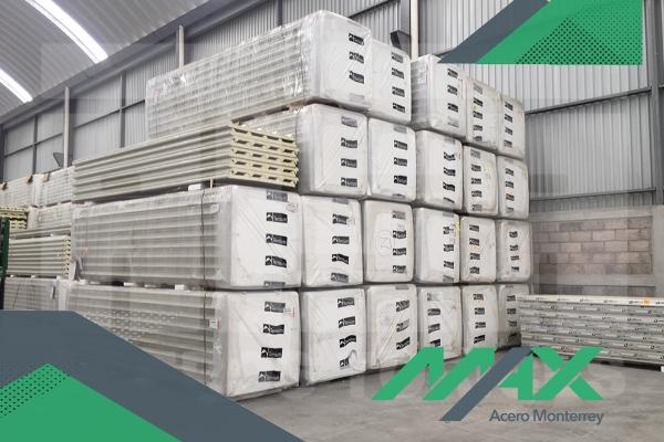 Un panel Ternium es un panel de acero que requiere de poco mantenimiento y habilita la construcción de un sitio para que sea más rápida.