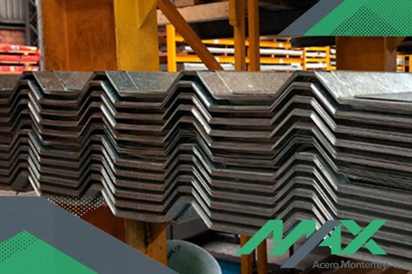El Zintro Alum es un acabado de excelencia que blinda al acero contra la corrosión. ¡Llámanos! Somos fabricantes de lámina.