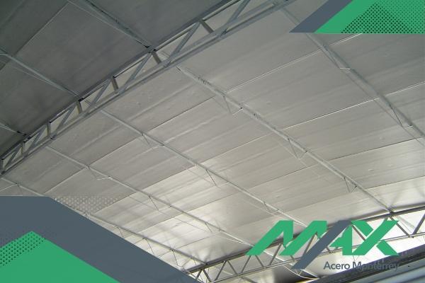 El Glamet LV es un panel aislante económico para construir proyectos de forma eficiente. Contamos con entregas a toda la república mexicana.