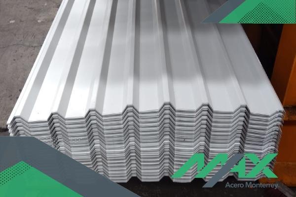 La lámina R-72 es esencial en el ámbito de la construcción debido a su costo y resistencia. Fabricamos láminas y envíamos a todo el país.